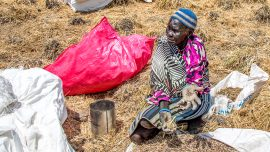 ICRC airdropped emergency food to starving South Sudanese