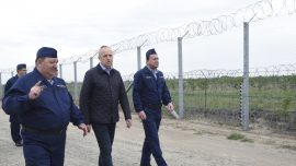 Hungary builds border fence No. 2 to keep out migrants
