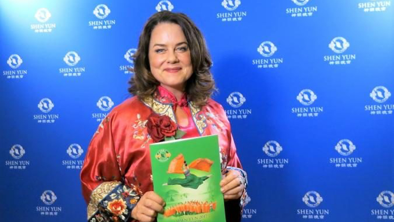 Mayor Impressed With Shen Yun's Quality and Message
