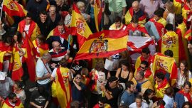 Spanish police move to enforce ban on Catalan independence poll