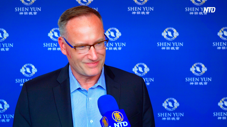 College Dean Says Shen Yun Can Rejuvenate the Spirit