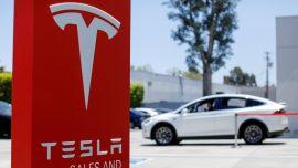 US Regulators Ask Tesla to Recall 158,000 Cars