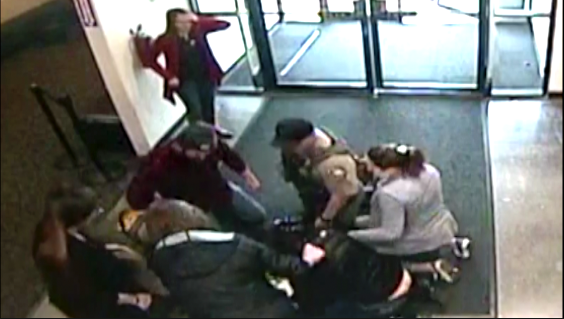 Baby choking at a mall in Oregon