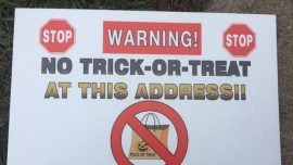 Georgia Sheriff Puts 'No Trick-or-Treat' Signs in Yard of Sex Offenders