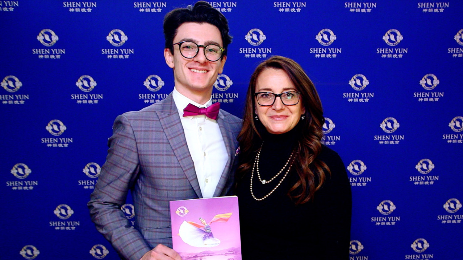 'It's a Show of Love,' Artists Touched by the Beauty of Shen Yun