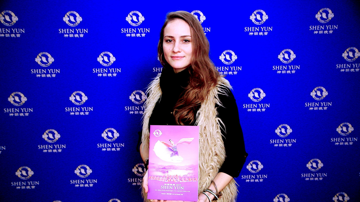 'The Music Is Emotional:' Audience Touched by Shen Yun in Montreal
