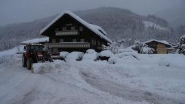 Aussie Teen Dies in Austrian Avalanche in Front of Parents