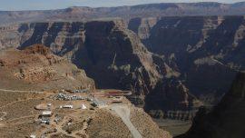 Tourist Falls 1,000 Feet at Grand Canyon While Taking Photograph