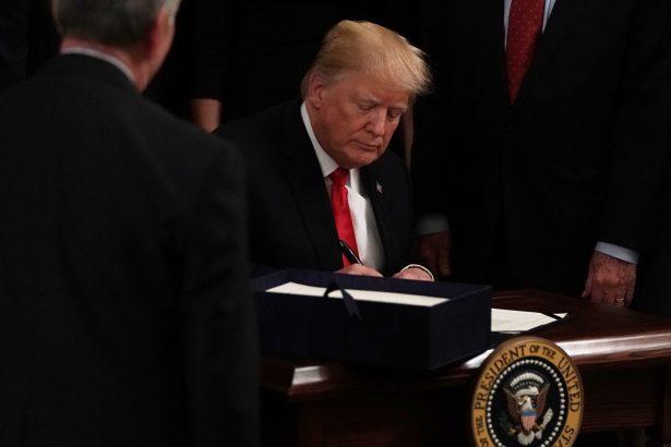 President Trump sign opioid bill