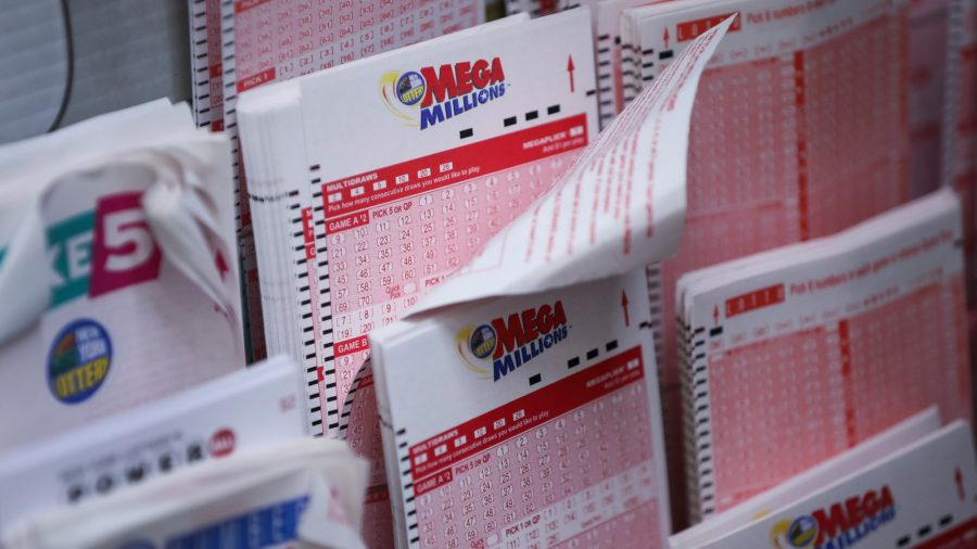 A Couple Wins the Jackpot After Playing the Same Set of Numbers for 26 Years