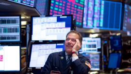 Dollar Gains, Stocks Set Fresh Highs on US Labor Report