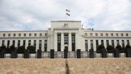 Expert: Investigate Fed Officials' Trades