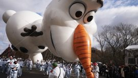 Strong Winds Don't Stop the Balloons From Flying in Macy's Thanksgiving Day Parade