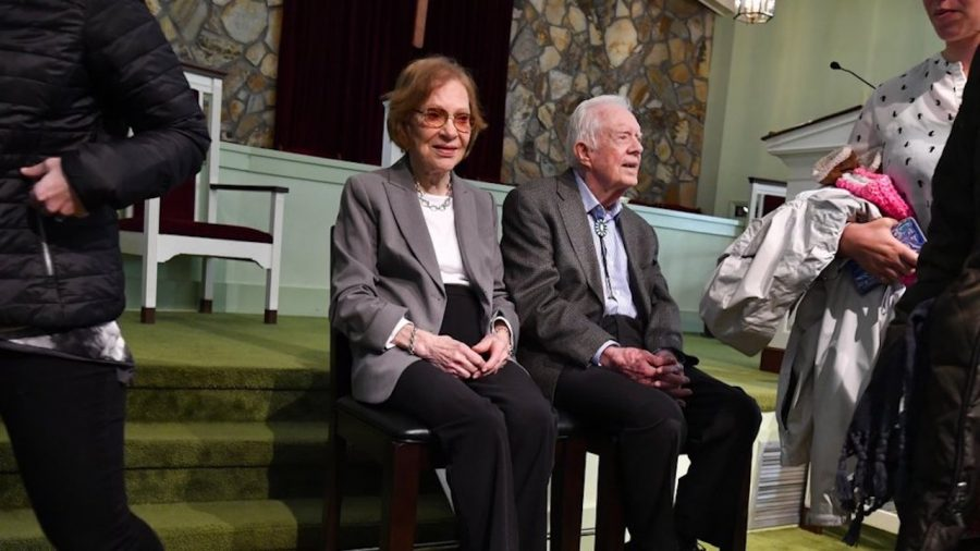 Jimmy Carter Returns to Church After Brain Surgery