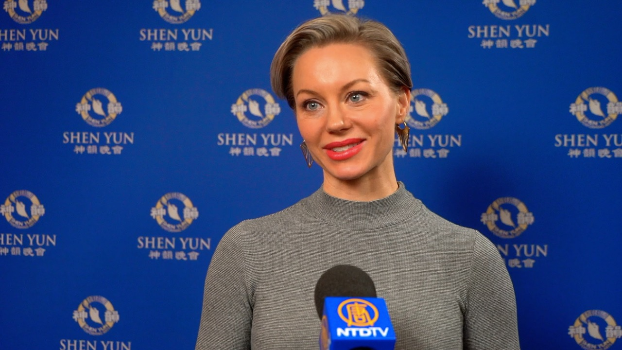 Shen Yun Surprises the Audience in Stockholm