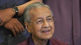 Malaysian King Accepts Mahathir's Resignation Amid Upheaval