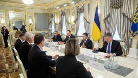 US Senators Meet Zelensky in Ukraine, Vow Bipartisan Support
