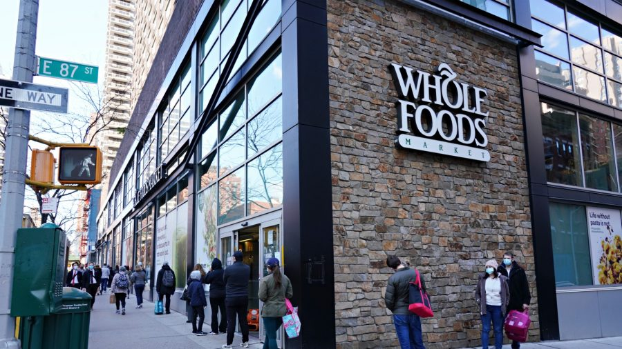 Whole Foods Cuts Paid Breaks for Many US Workers From 15 to 10 Minutes