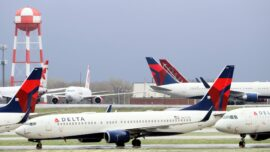 Delta Air Lines to Force New Employees to Get COVID-19 Vaccines