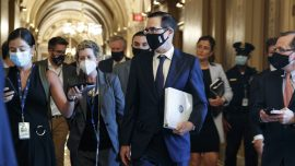 GOP Splits as Virus Aid Package Could Swell Past $1 Trillion