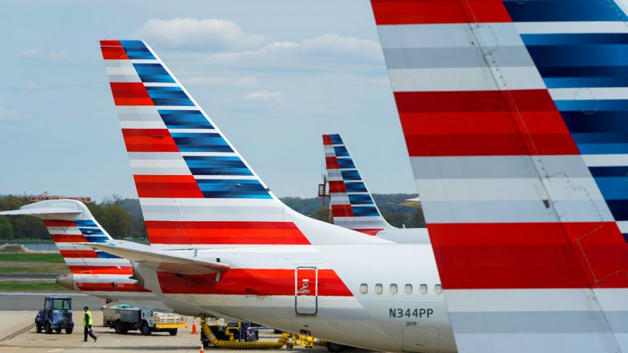 Defying Texas Governor, Southwest, American Airlines Stand by Biden's Vaccine Mandate