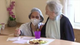 Nursing Homes Face Virus Dilemmas