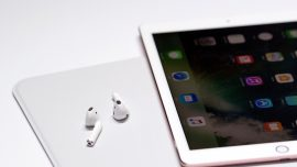 US Seizes Fake Apple Products From China