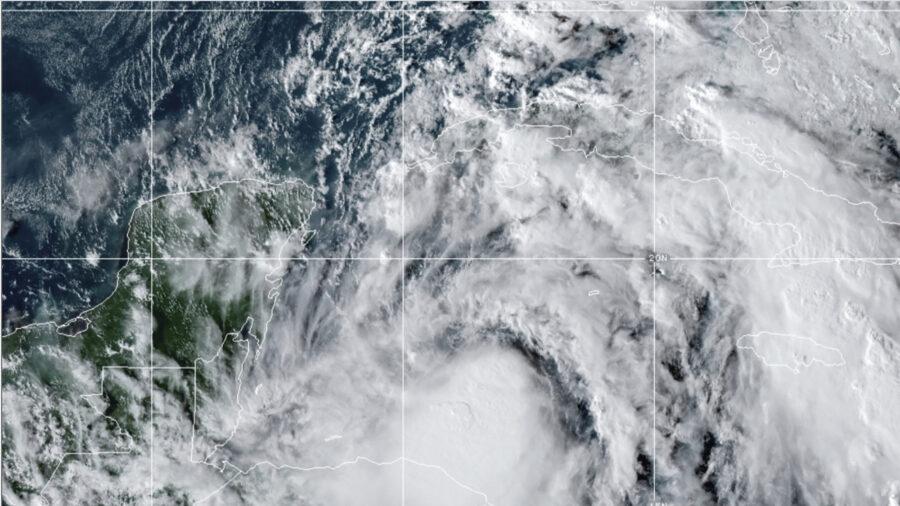 Zeta Likely Hurricane Before Hitting Yucatan, Heading for US