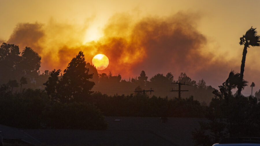 100,000 in Southern California to Evacuate After Blaze Grows