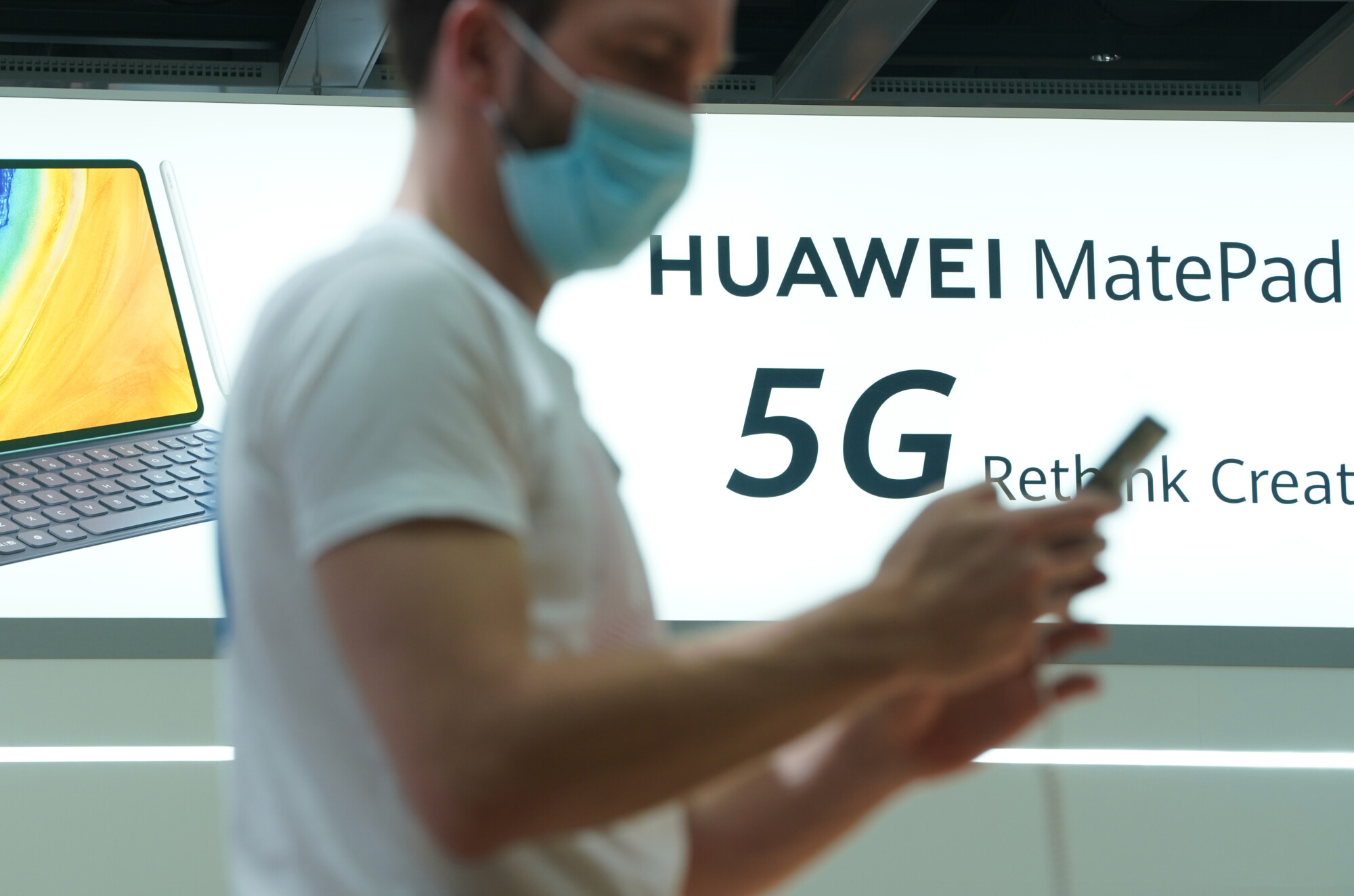 Clean Network Expands, Purging Huawei From 5G