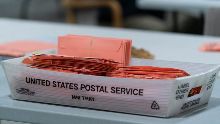 Trump Campaign to Challenge Mail-In Ballots Counted in Absence of GOP Observers in Battlefield States