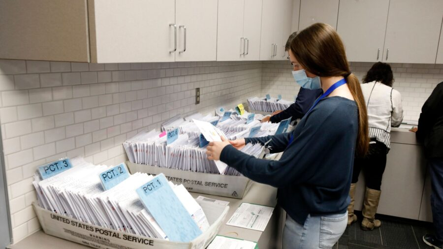 10,000 Dead People Returned Mail-in Ballots in Michigan, Analysis Shows