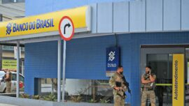 Armed Bank Robbers Storm Another Brazilian Town, Battle Police in Streets