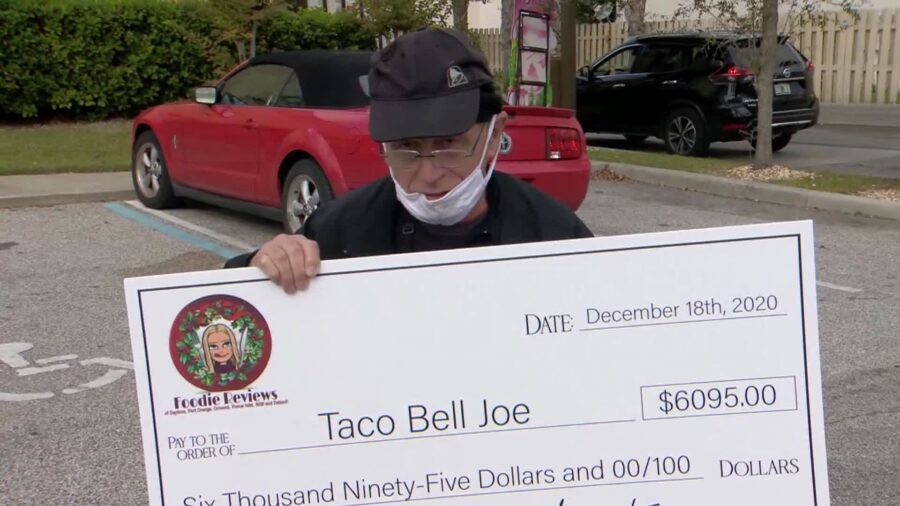 A 70-Year-Old Employee Known As 'Taco Bell Joe' Received a $6,000 Tip From His Community