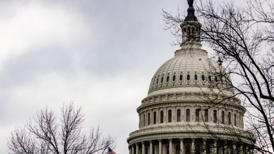 Senate Democrats Introduce Bill to Raise National Minimum Wage to $15 An Hour