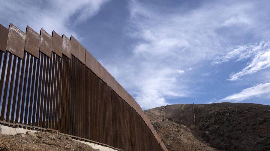 Federal Judge Temporarily Blocks Biden Deportation Freeze After Texas Challenge