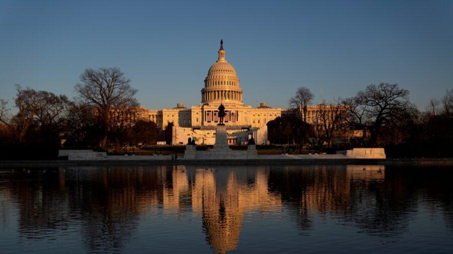 Democrats, 10 Republicans Vote for 2nd Impeachment Against Trump