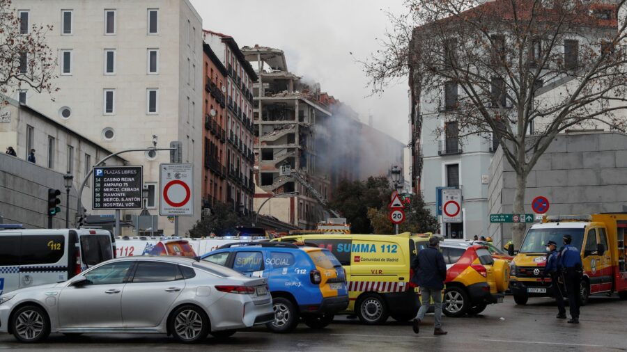 At Least 2 Dead After Blast Brings Down Building in Central Madrid