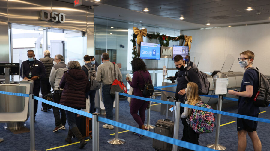 TSA Says About 500 Million Fewer People Traveled by Air in the US in 2020