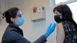 US to Require Negative Virus Tests for Arriving International Air Passengers