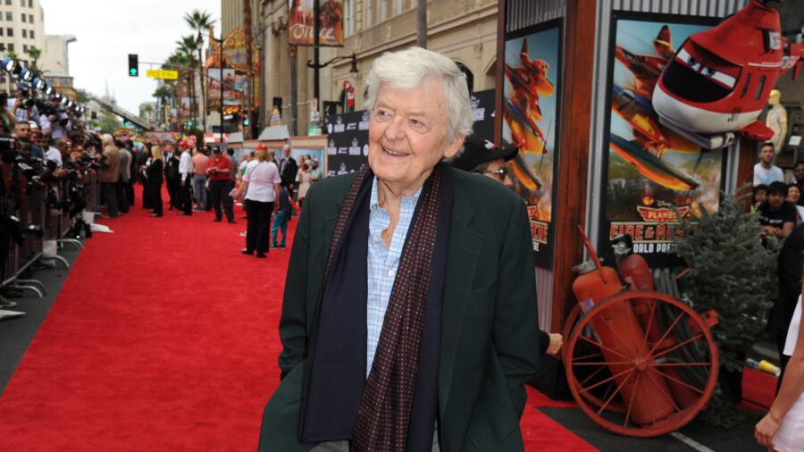 Hal Holbrook, Prolific Actor Who Played Twain, Dies at 95