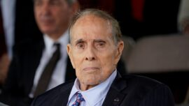 Former US Senator Dole Says He Has Lung Cancer