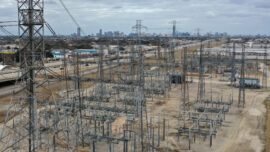 Top Executives of Texas Electric Grid Operator Resign After Widespread Power Outages