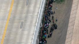 Mexico, US Discuss Stemming Migrant Surge