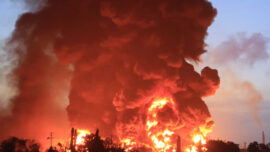 Indonesia: Huge Fire Breaks out at Oil Refinery