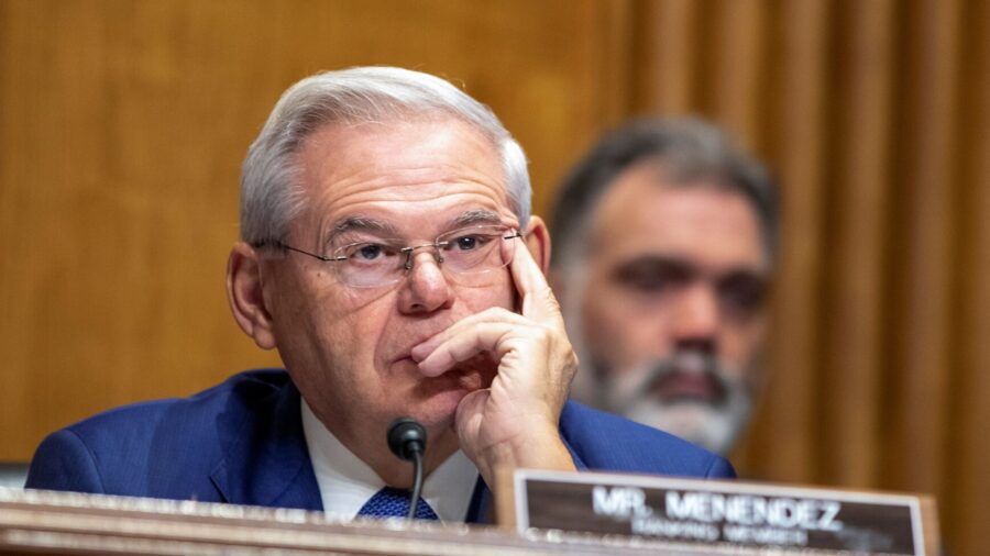 Senate Moves Ahead With Sweeping Effort to Counter China