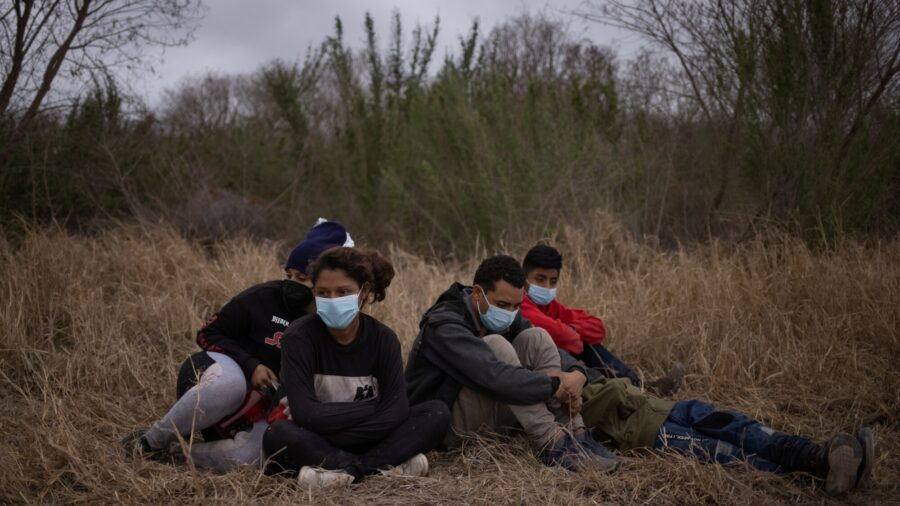 'Biden Border Crisis:' Republicans Knock New Policies at Southern Border