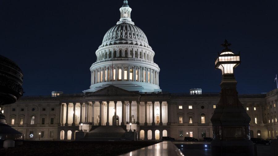 Senate Democrats Reach Deal on Jobless Benefits, Tax Breaks