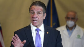New York Governor Announces Lift on CCP Virus Curfew for Bars, Restaurants