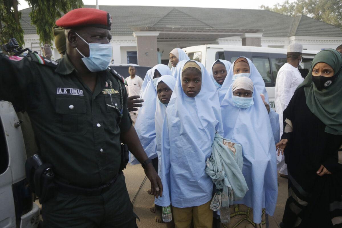 Nigeria Kidnapped School Girls Freed
